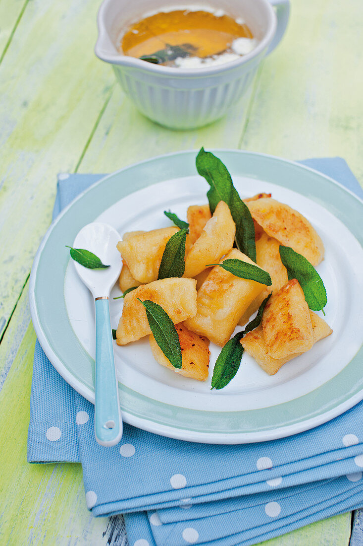 Stuffed mozzarella gnocchi with sage butter