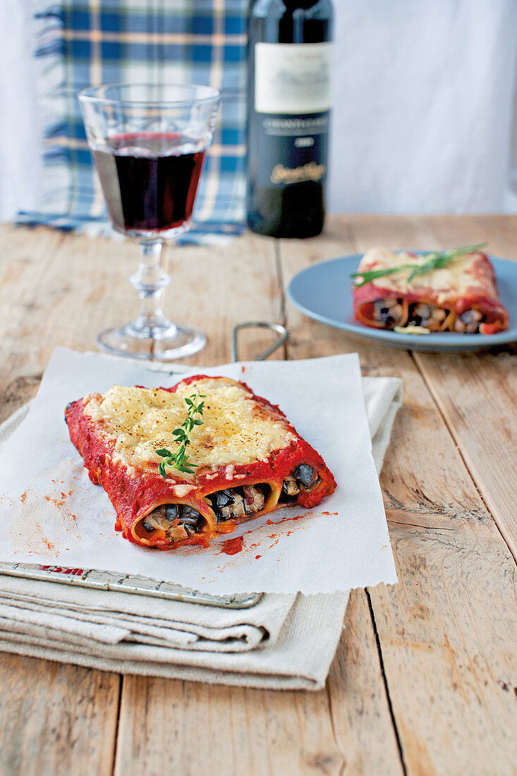 Aubergine cannelloni with mozzarella