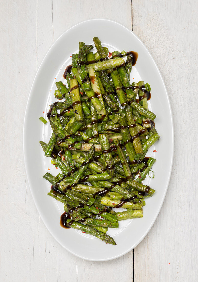 Fried green asparagus with aceto-balsamico cream