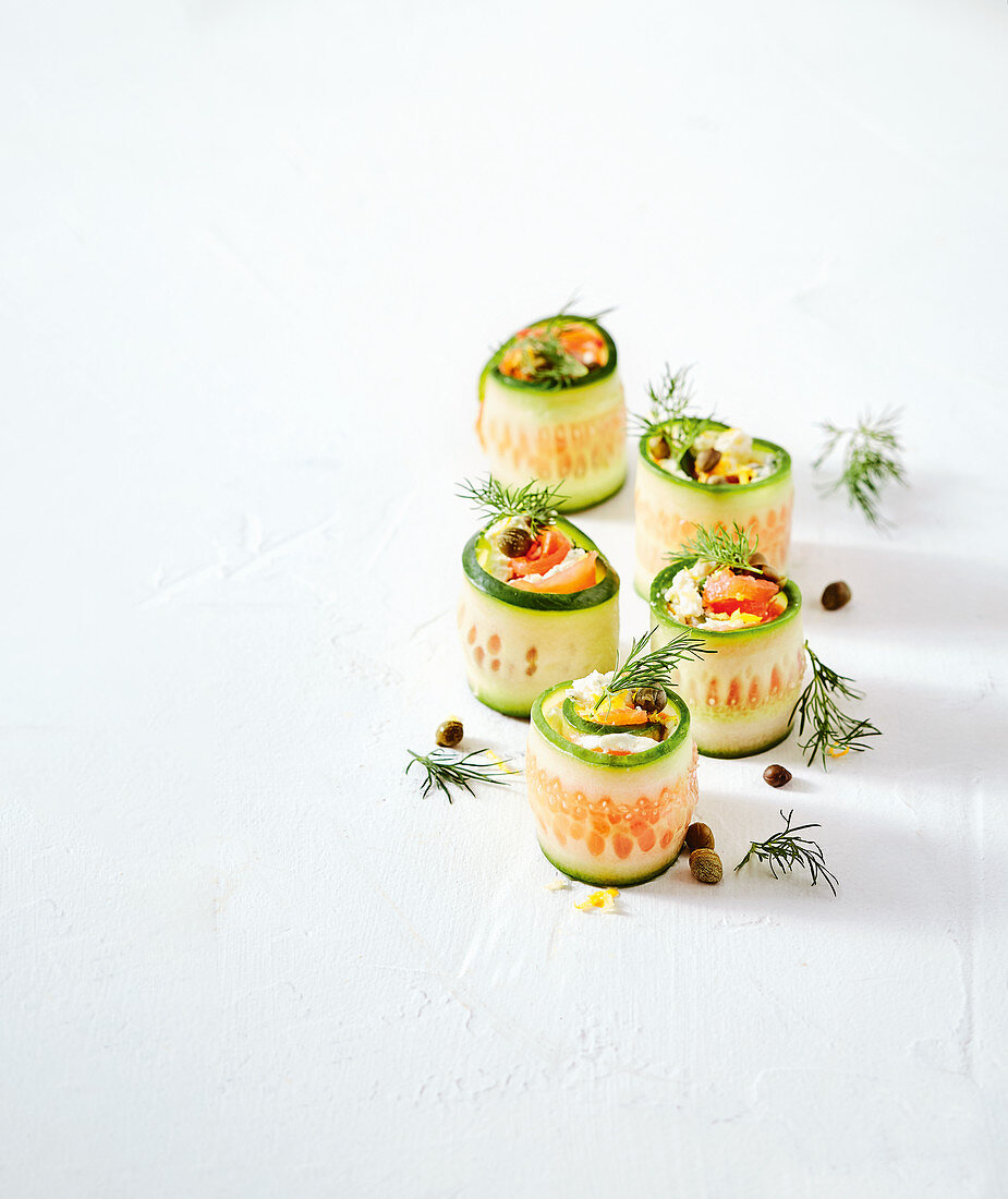 Cucumber sushi with cream cheese, capers and dill