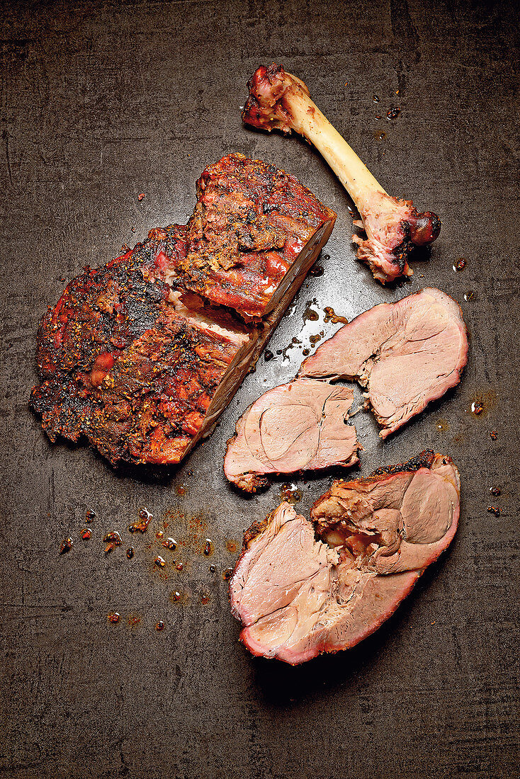 Grilled leg of wild boar seasoned with anise, cardamom and cubeb pepper