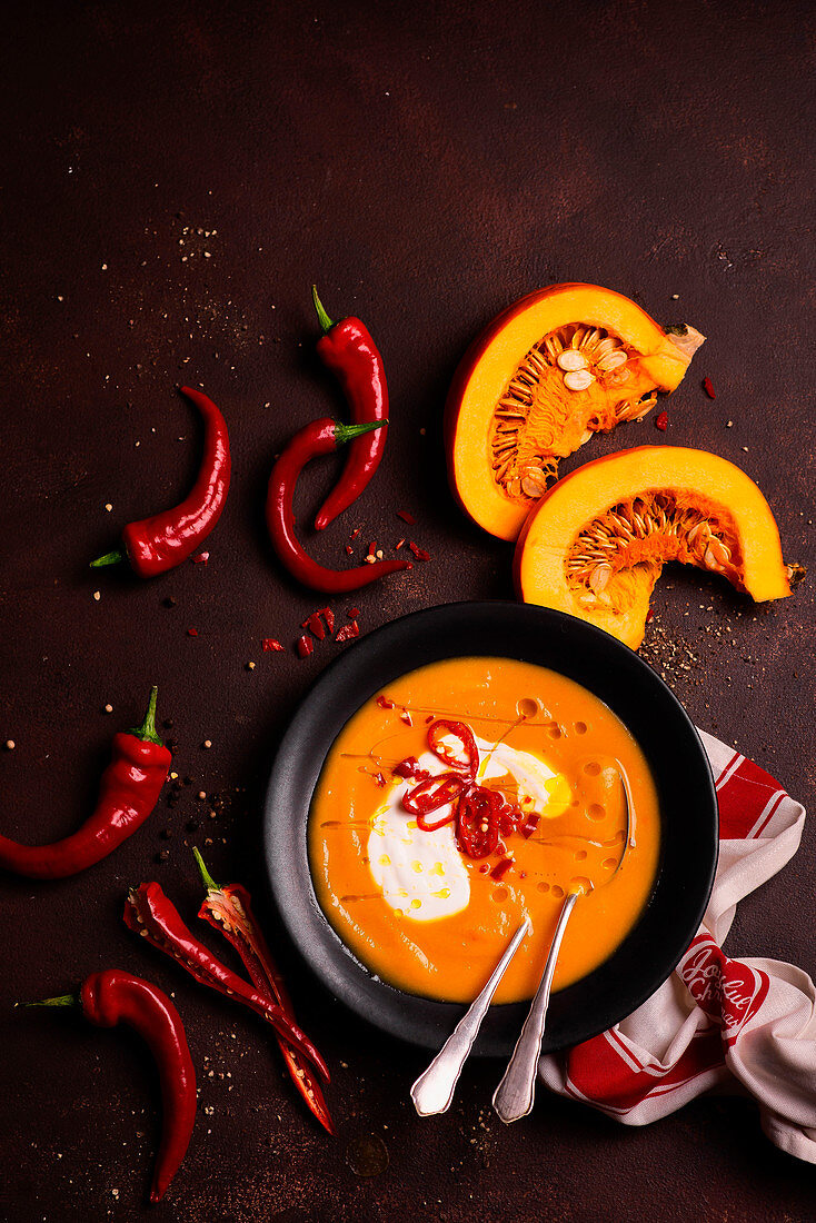 Pumpkin cream soup with chilli