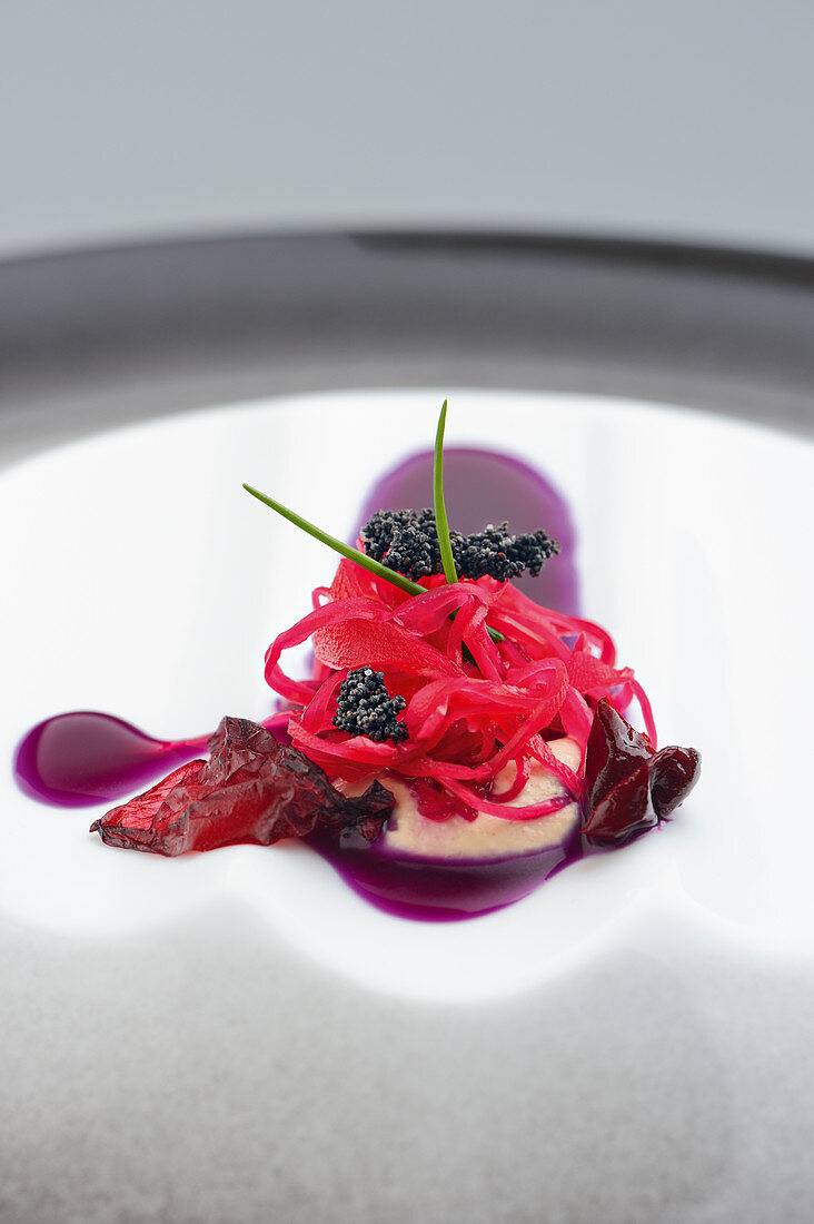 Red cabbage with cornelian cherry and poppyseed variations