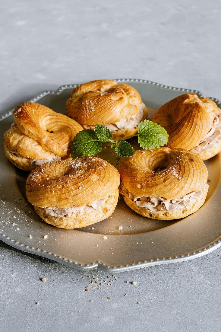 Cream choux puff rings