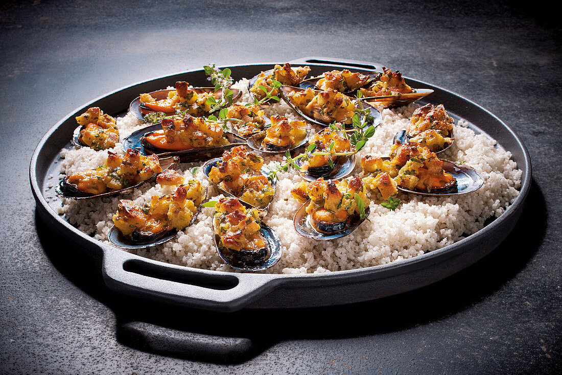 Baked mussels in a bed of salt