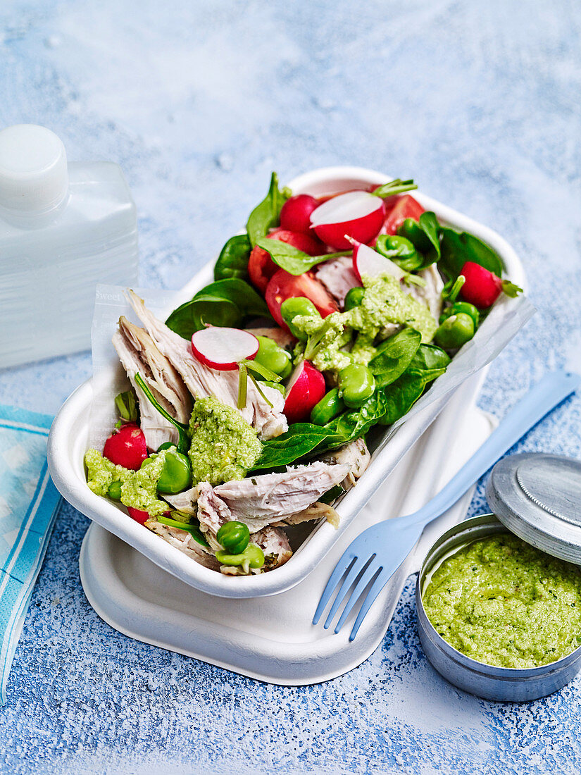 Chicken and broad bean pesto salad 'to go'
