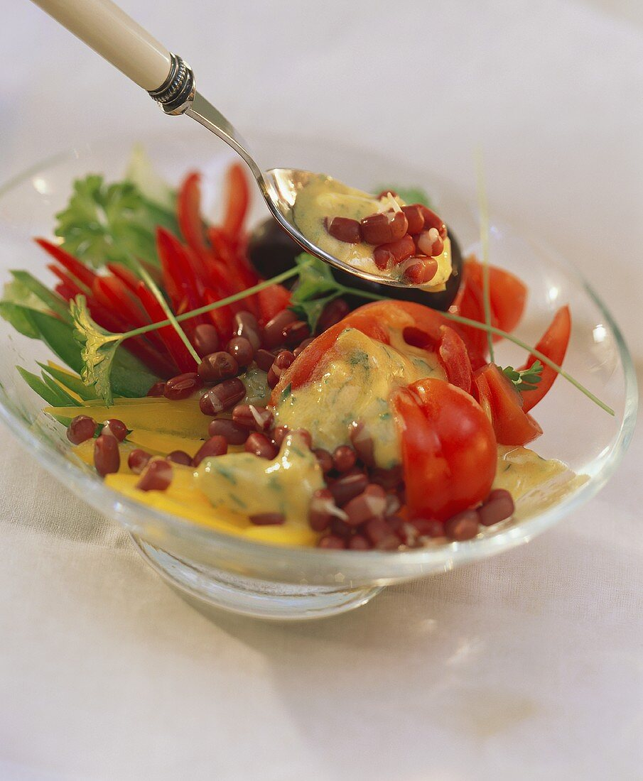 Raw pepper salad with azuki bean sprouts