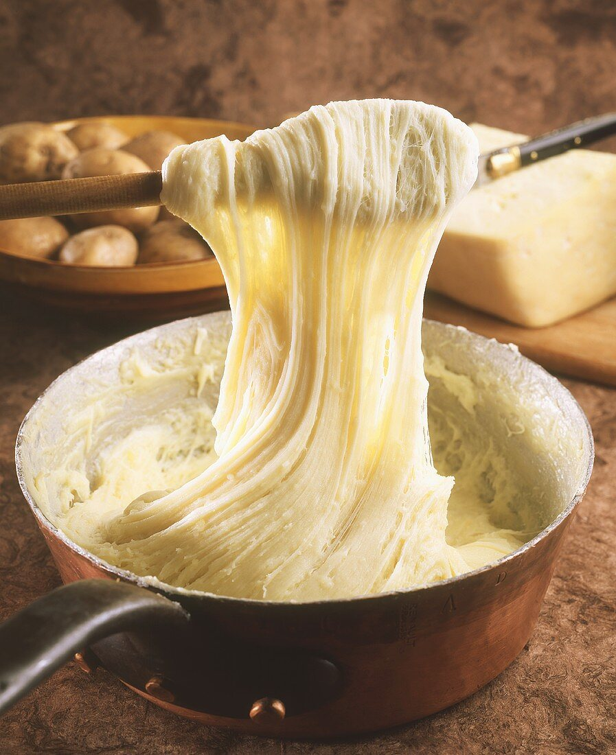 Aligot (mashed potato with cheese, from Auvergne)