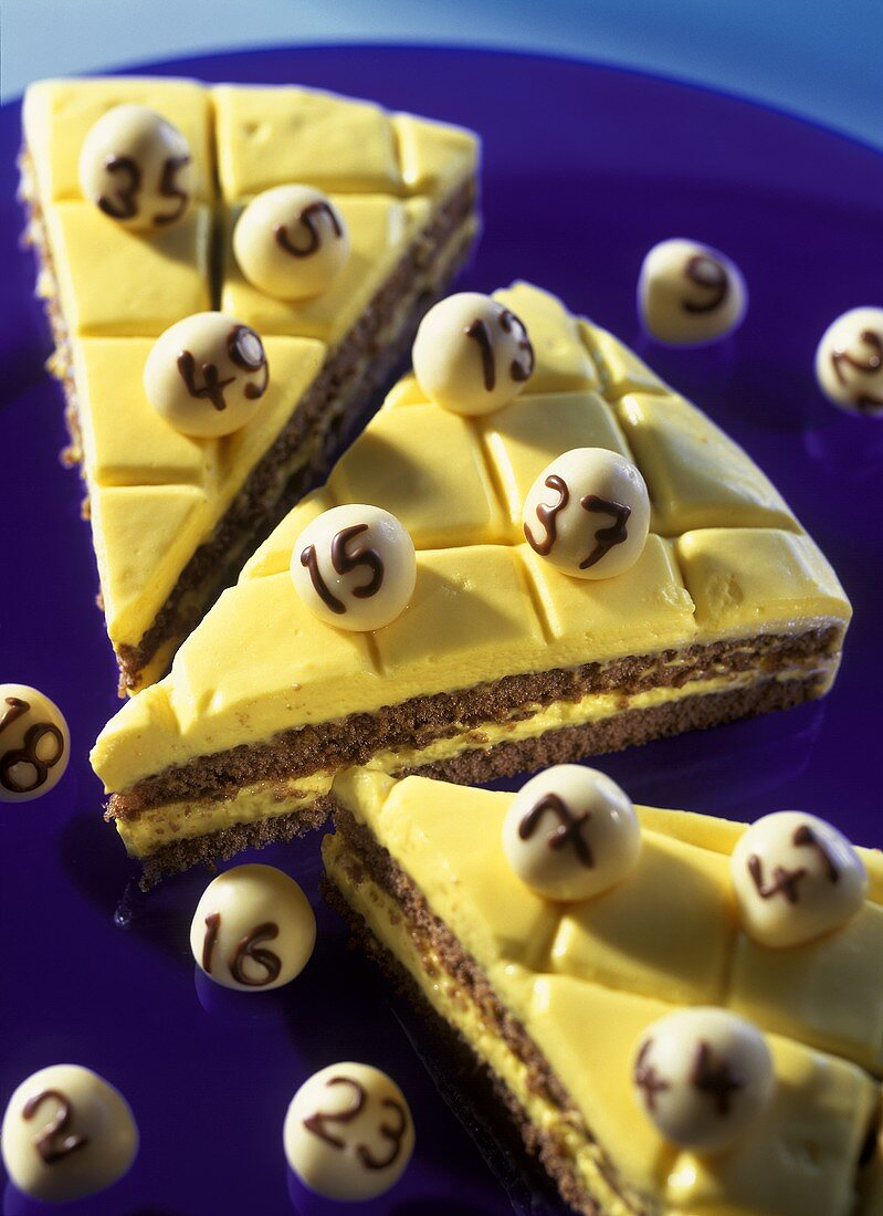 Lotto cake (chocolate cake with advocaat topping)