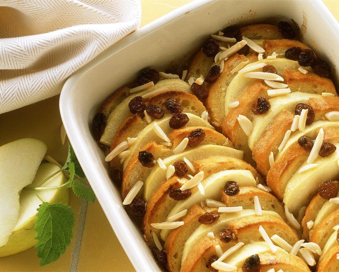 """Log pyre"" (apple bread pudding with raisins)"