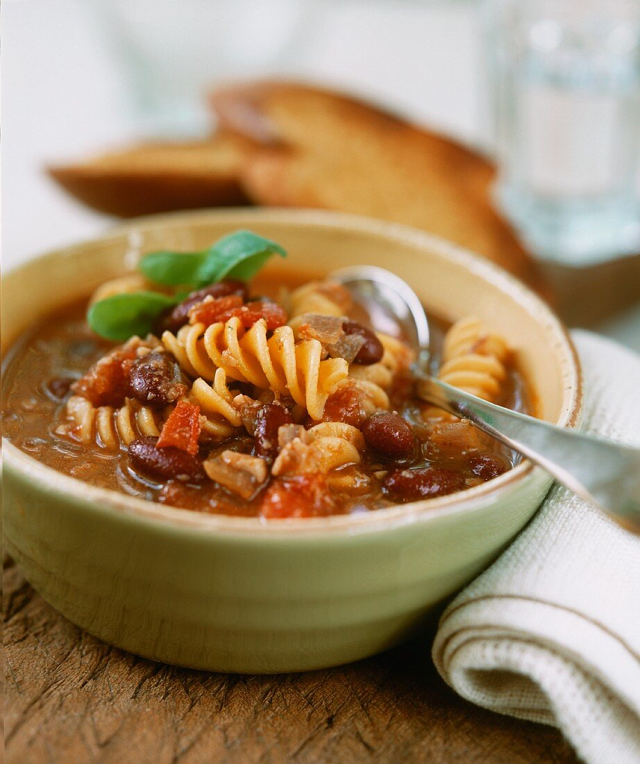Zuppa di fagioli (Bean and onion soup with noodles, Italy)