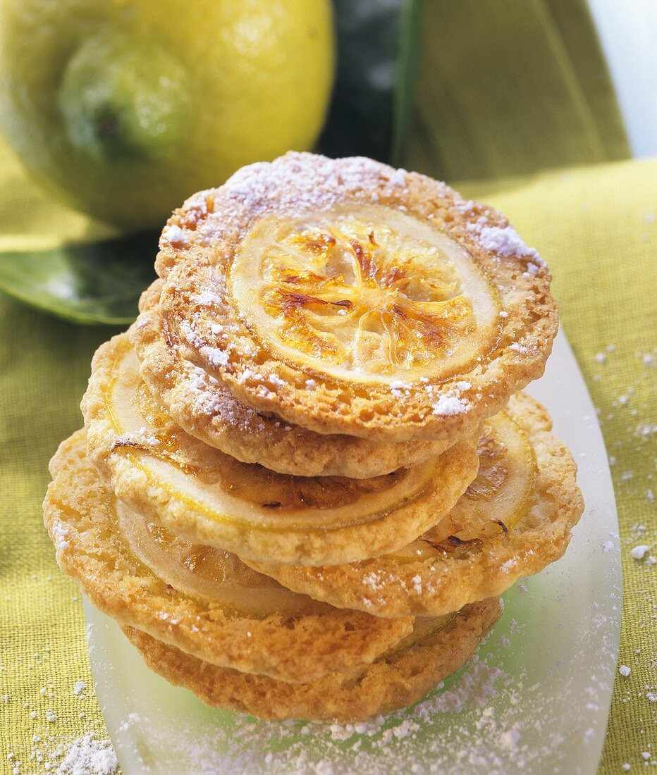 Citrus wheels (biscuits with candied lemon slices)