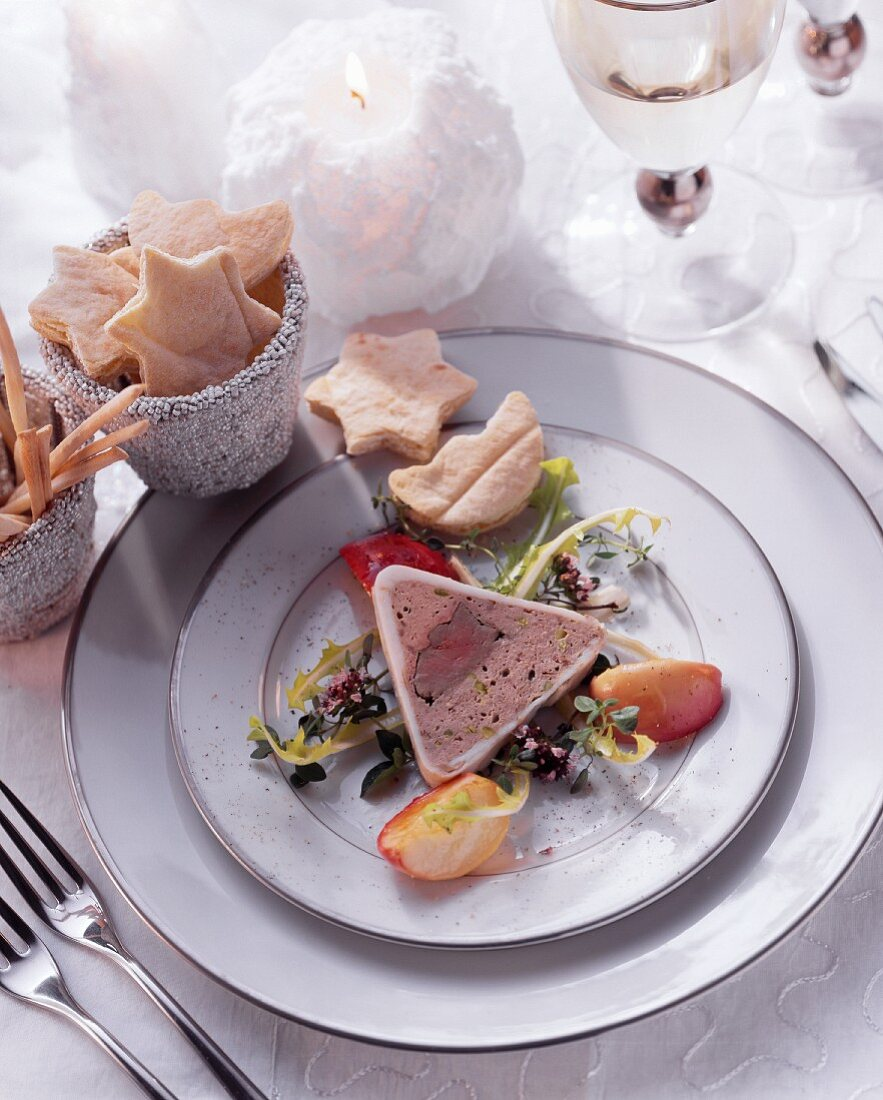 Chicken liver terrine with apple wedges