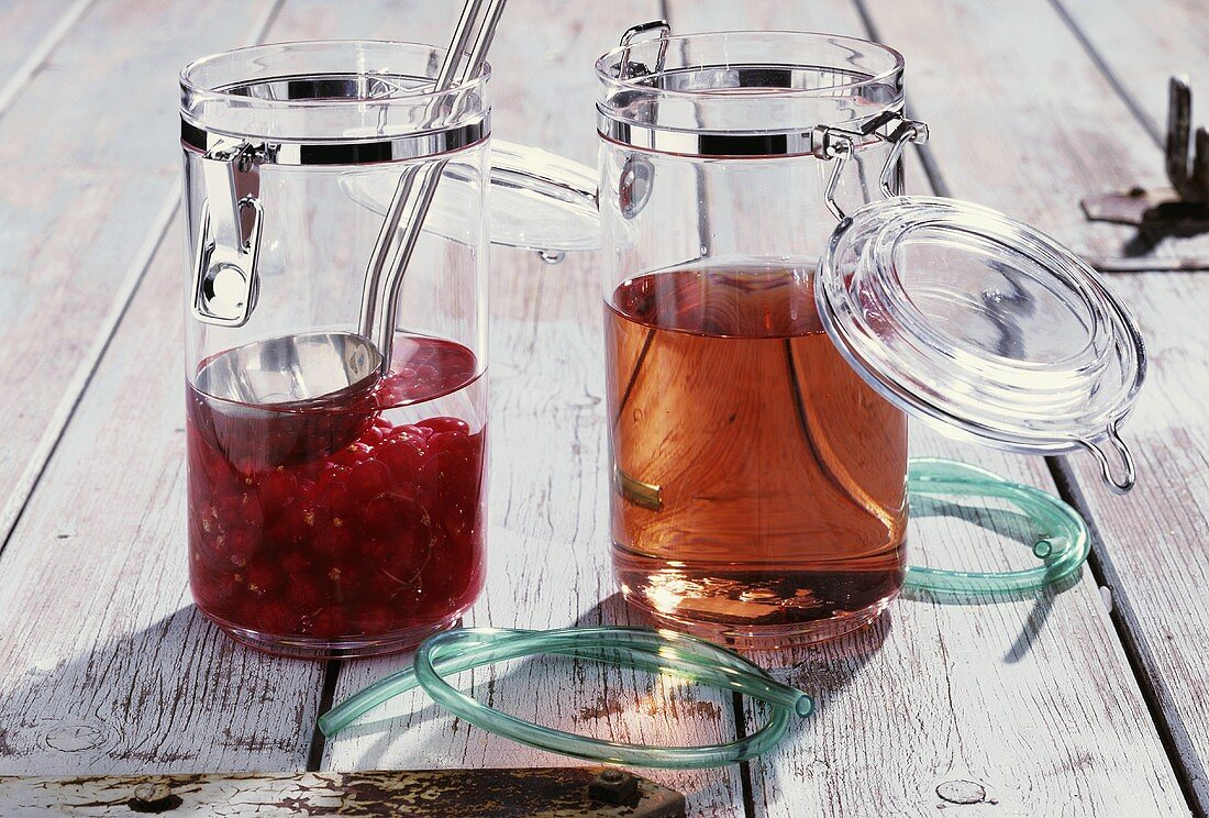 Making redcurrant liqueur at home
