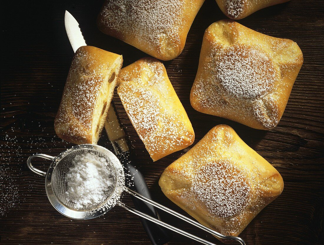 Quark turnovers with quark pastry and quark filling