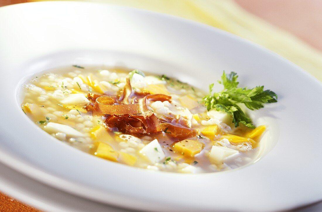 Pearl barley soup with air-dried beef (Bündner Fleisch)
