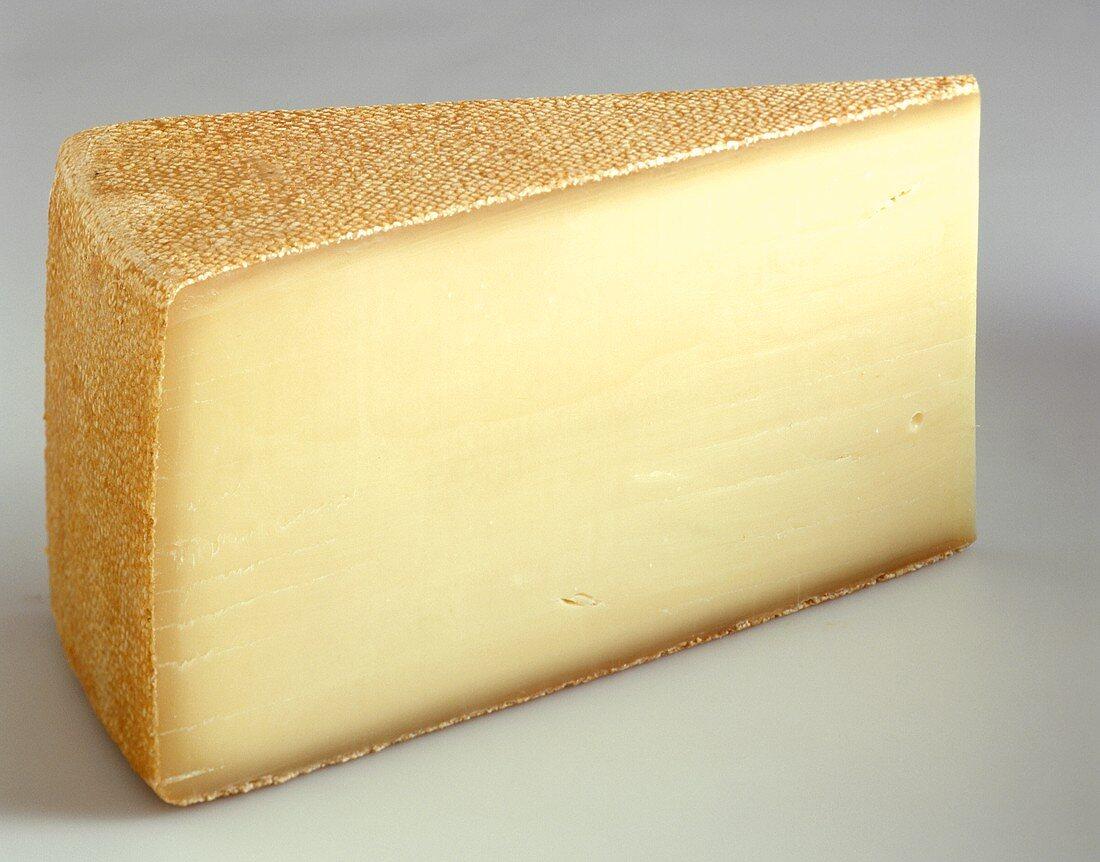 A piece of Alpkäse