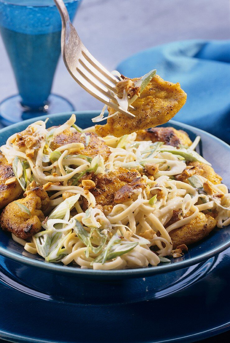 Chinese egg noodles with lemon grass and chicken breast