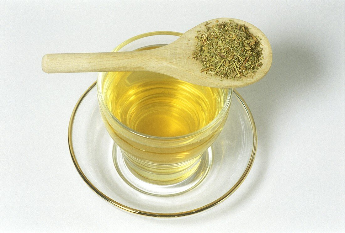 Rupturewort tea and dried herb (Herniaria glabra)