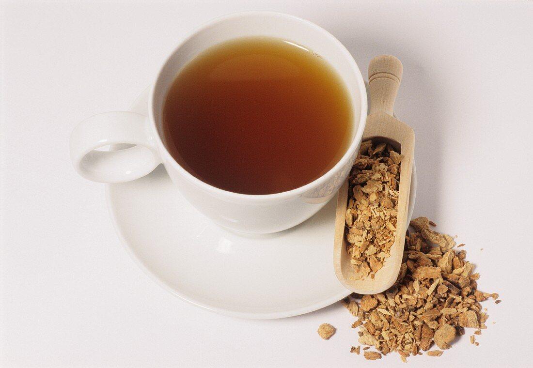Ash bark tea and bark (Fraxinus excelsior)