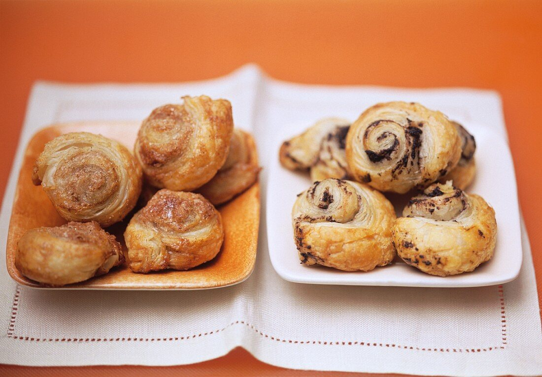 Sweet and savoury puff pastry snails