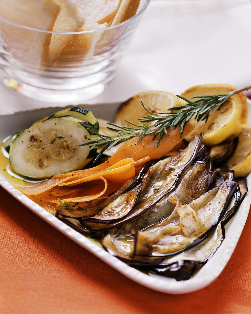 Antipasto misto di verdure (Marinated vegetables)