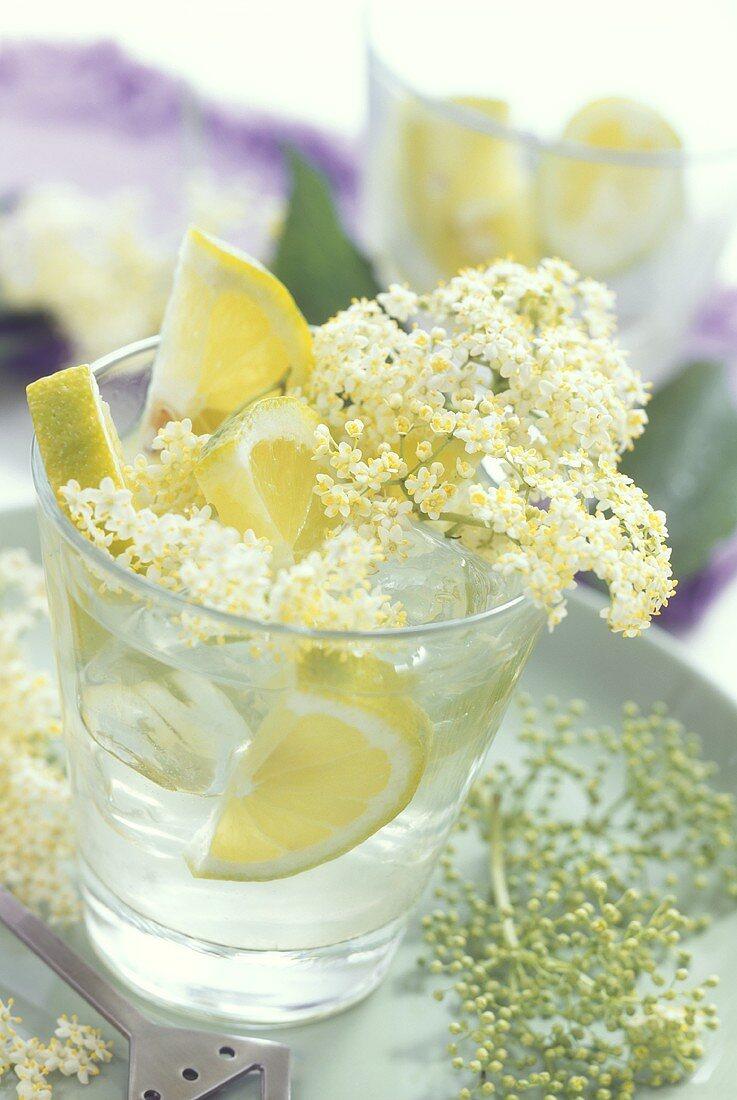 Elderflower lemonade (elderflower syrup with lemon & water)