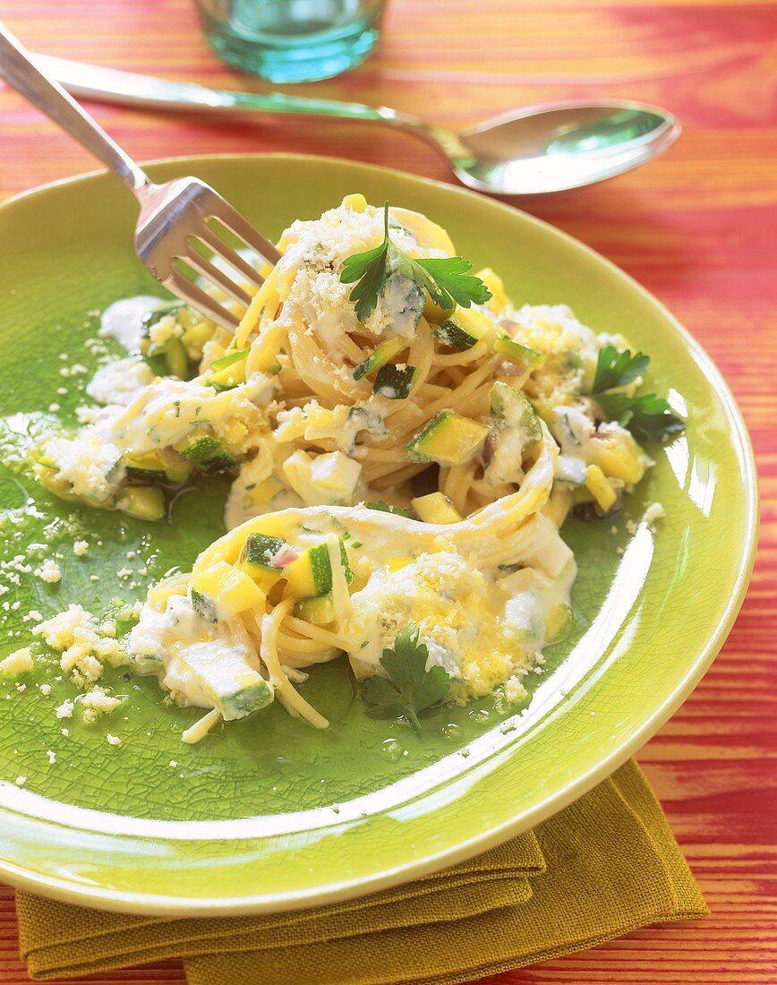 Pasta semplice (Spaghetti with courgette and ricotta sauce)