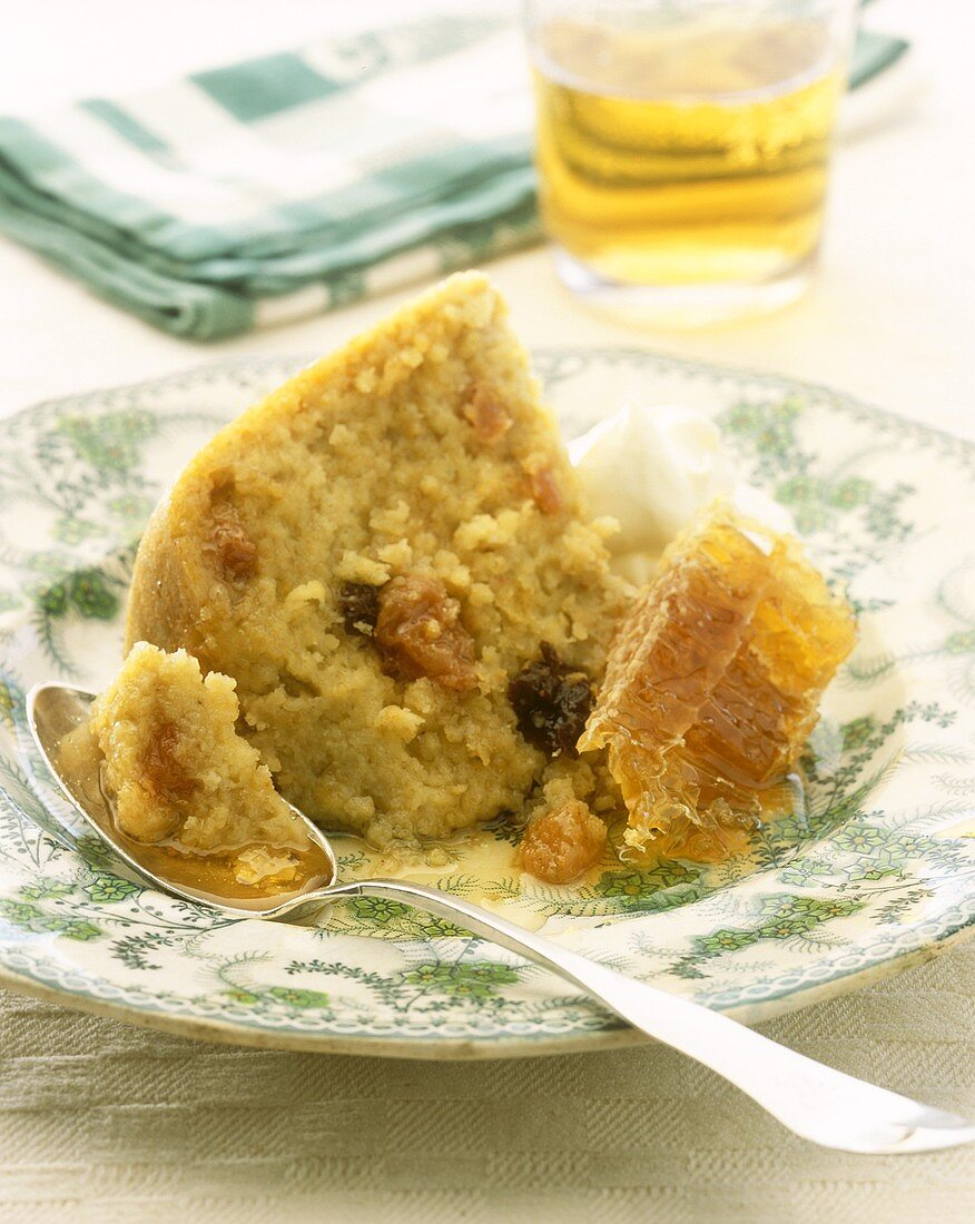 Oaten honeycomb (oat and honey pudding from N. Ireland)