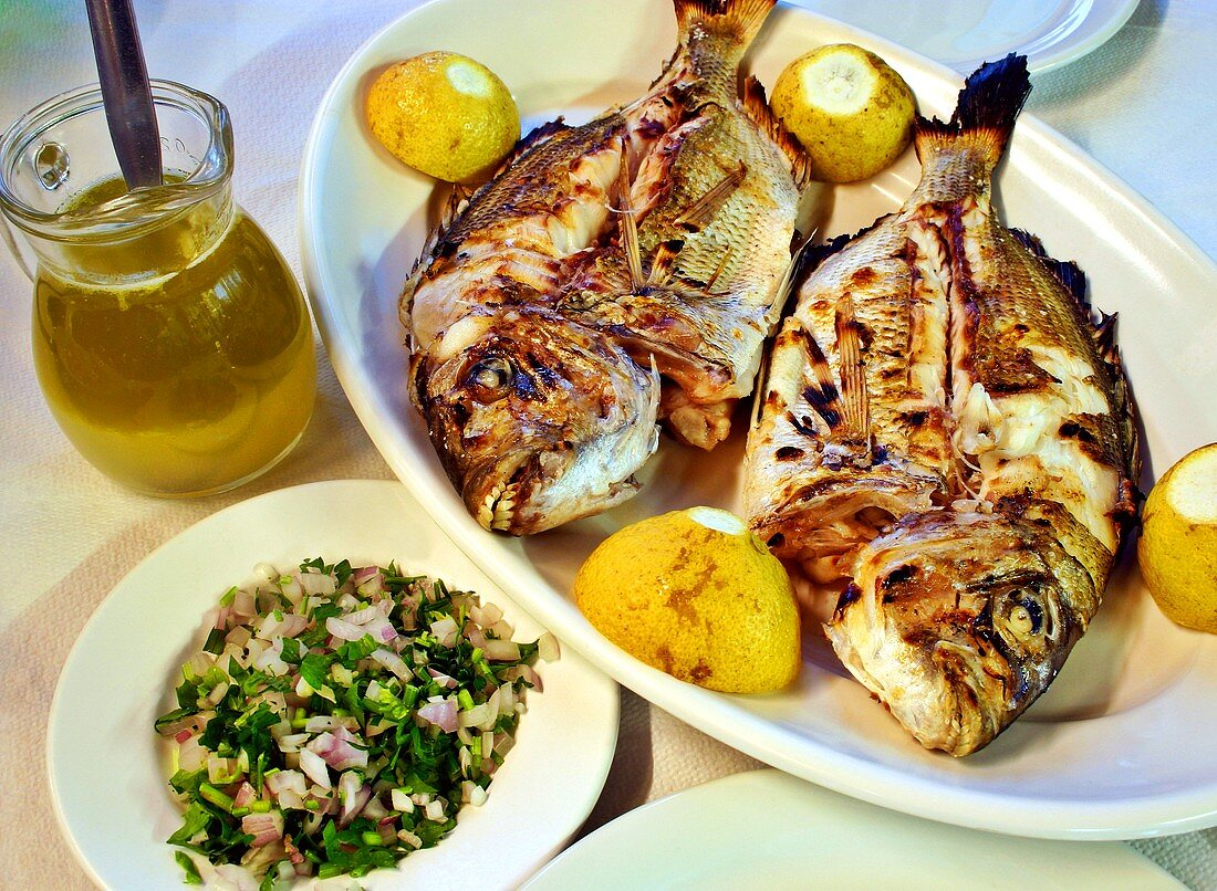 Barbecued white bream and onions with parsley (Crete)