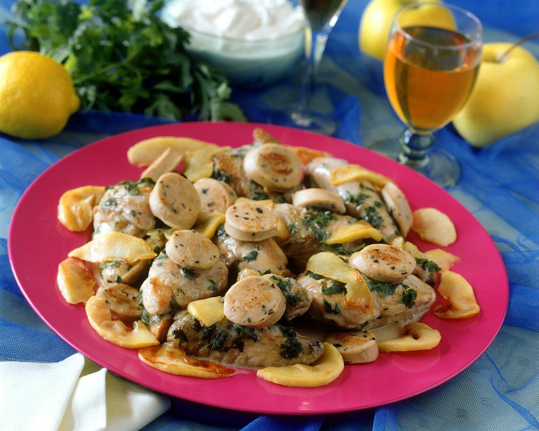 Normandy style chicken fillet (with cream and apples)