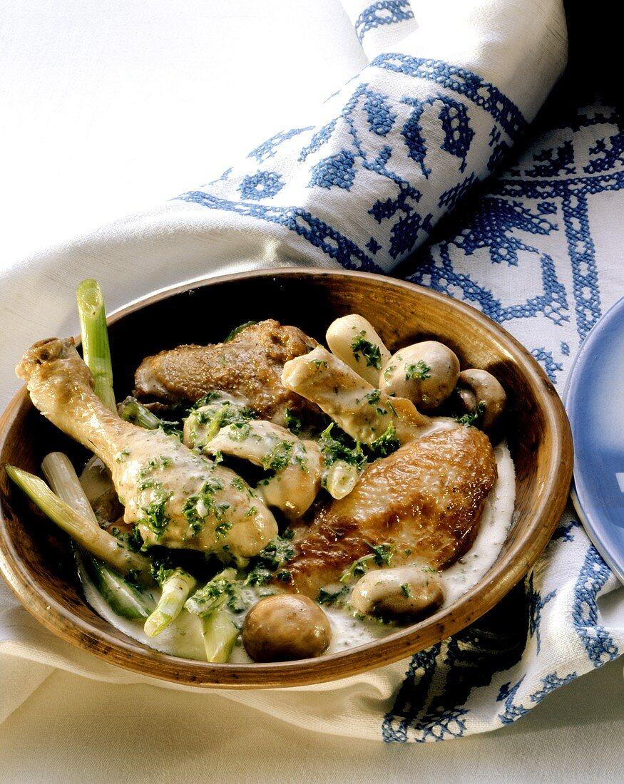 Fricassée de poulet (chicken fricassée in white wine, France)
