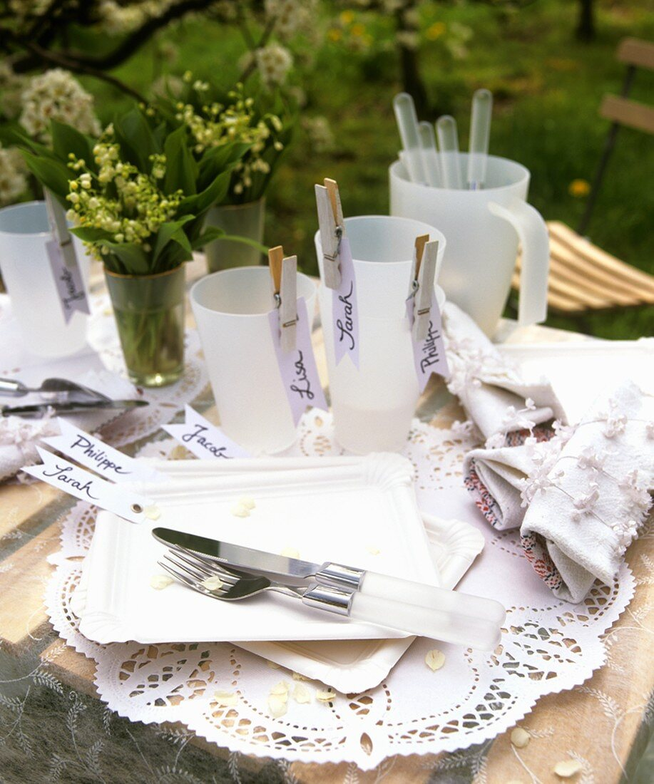 White table decoration for a spring party or picnic