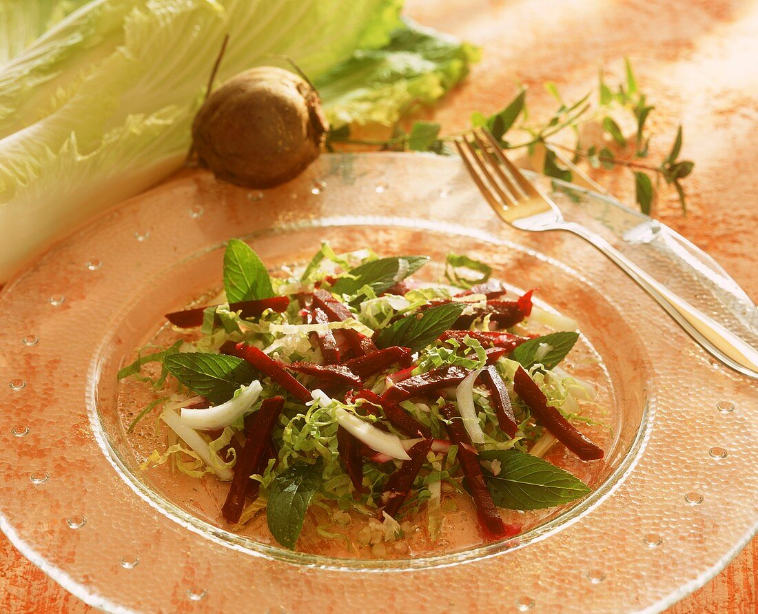 Autumn salad with Chinese cabbage, mint and beetroot