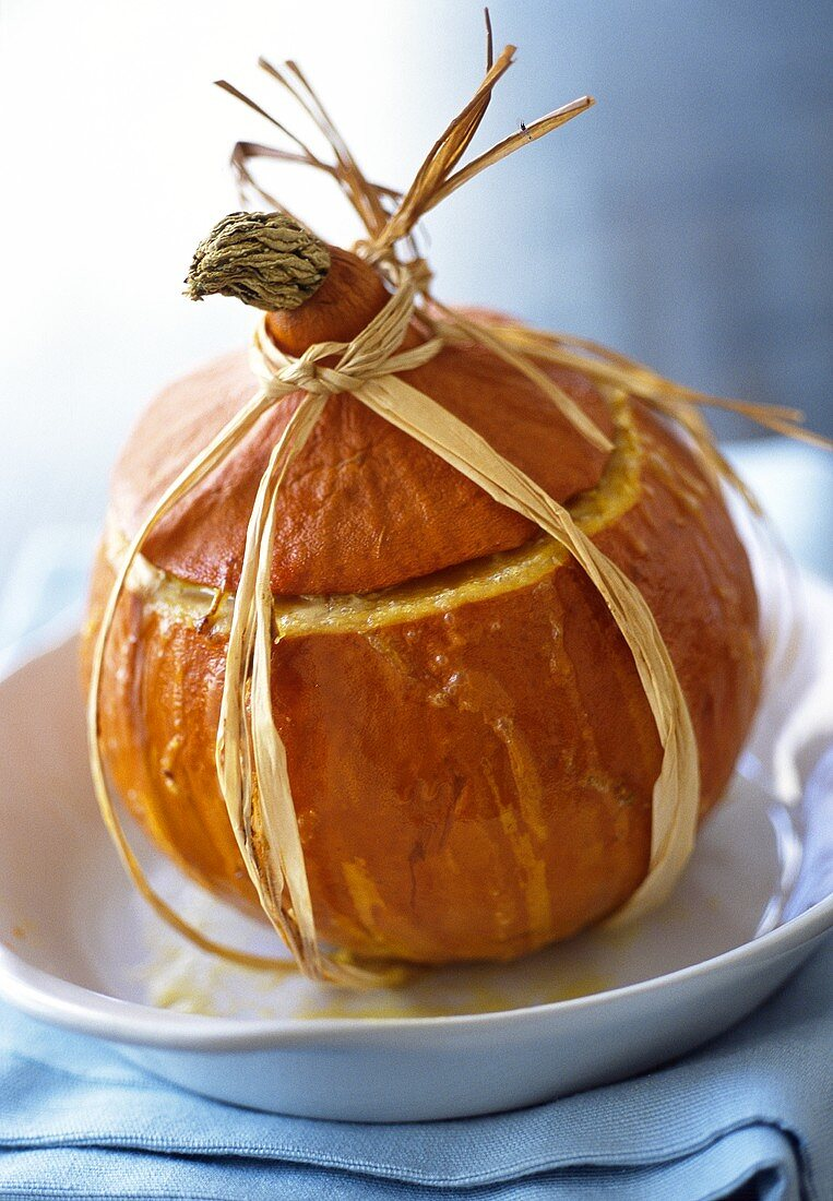 Stuffed pumpkin with lid