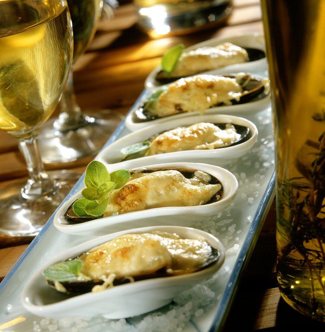 Cozze gratinate (Mussels au gratin, Italy)