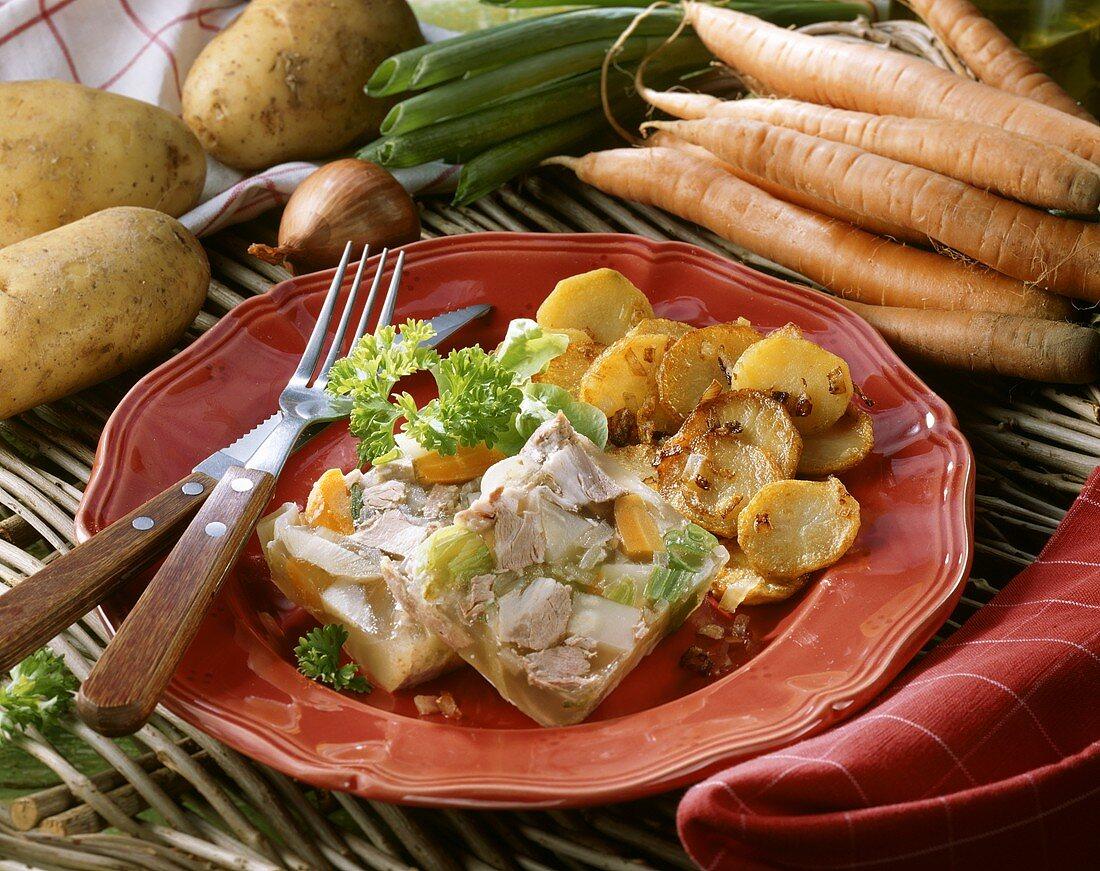 Sauerfleisch mit Bratkartoffeln (aus Norddeutschland)