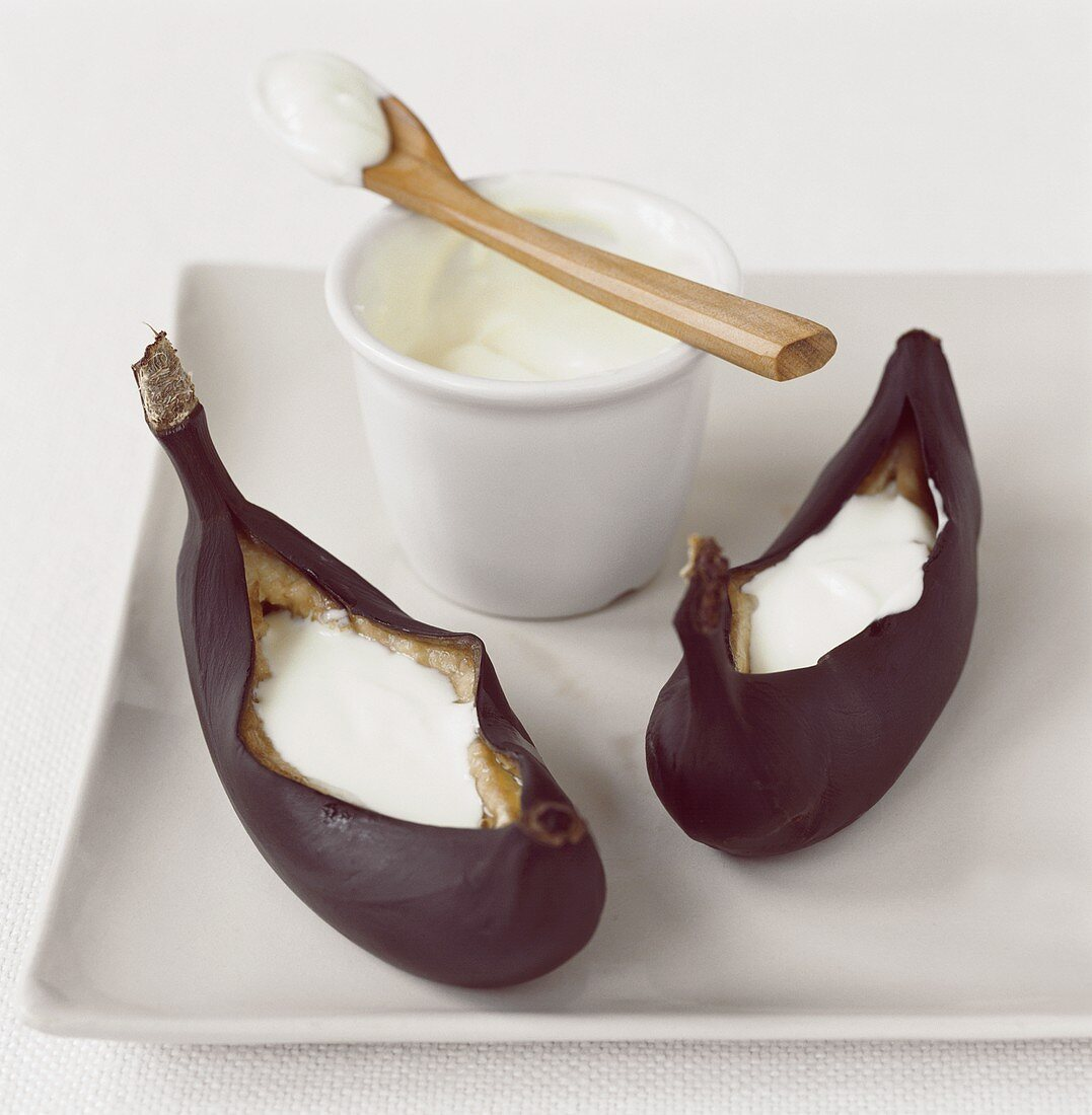 Two fried bananas with quark