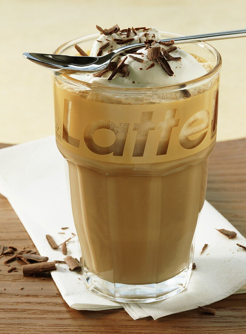 Chocolaccino (milky coffee with grated chocolate)