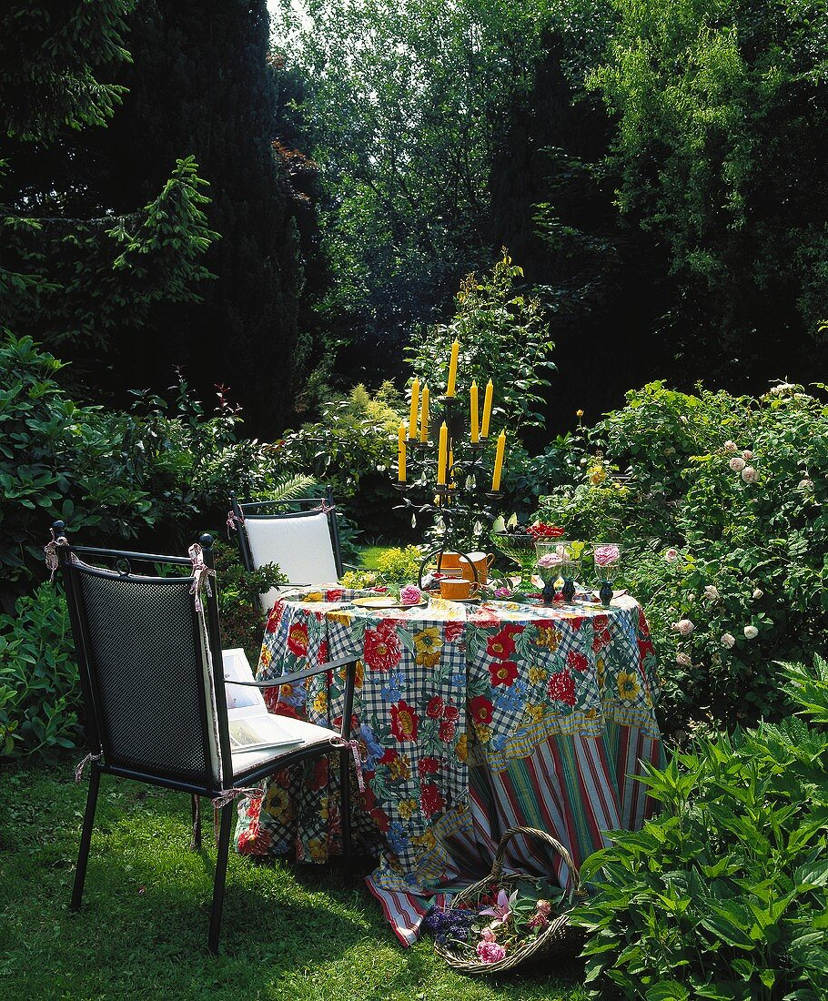 Romantic place for coffee in the garden