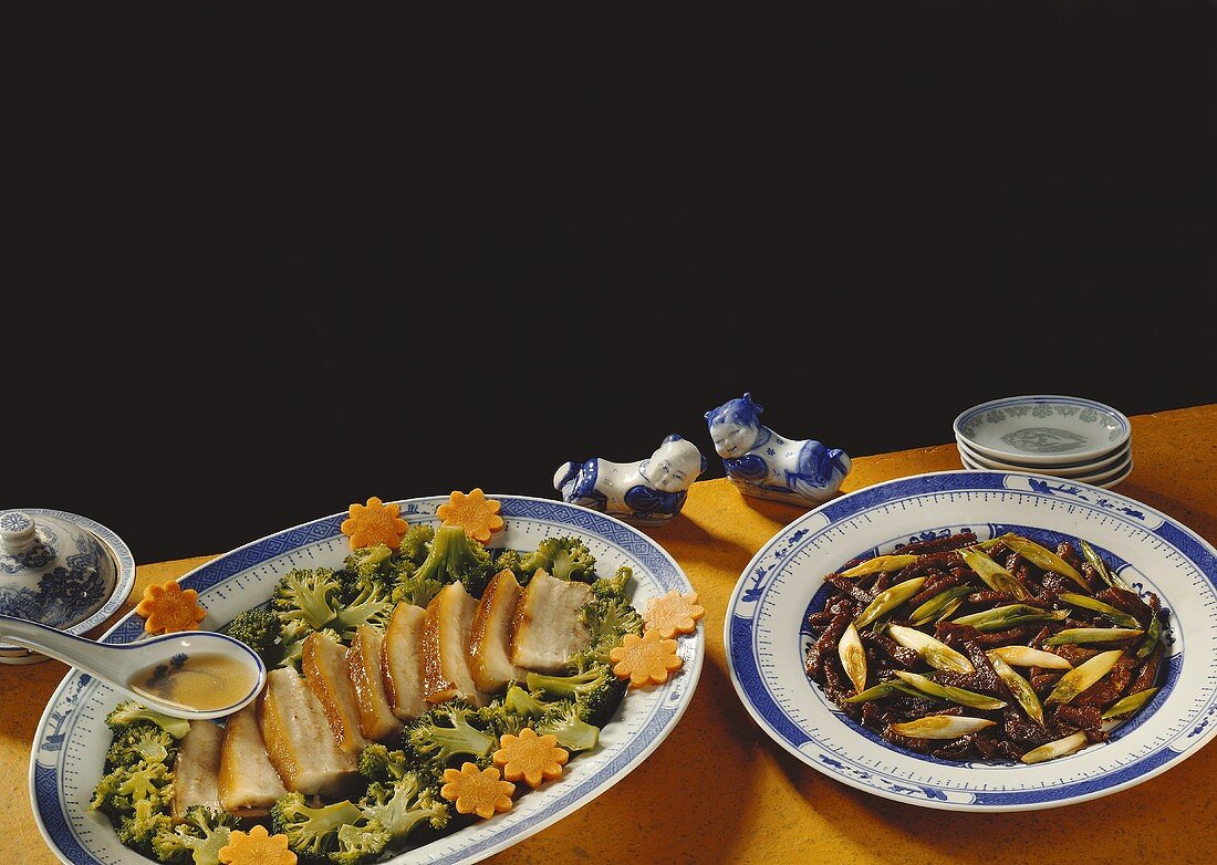 Roast beef fillet and pork with broccoli and carrot flowers