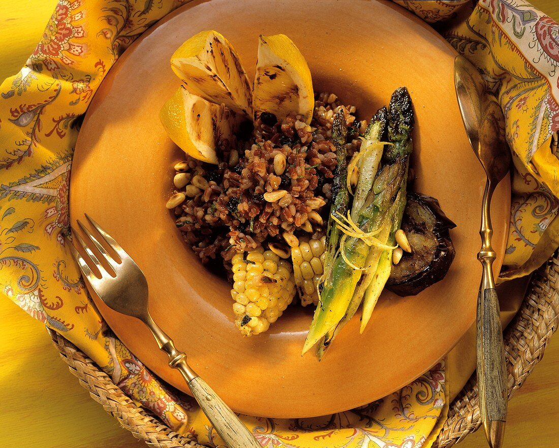 Camargue-Reis-Salat mit Mais & grünem Spargel