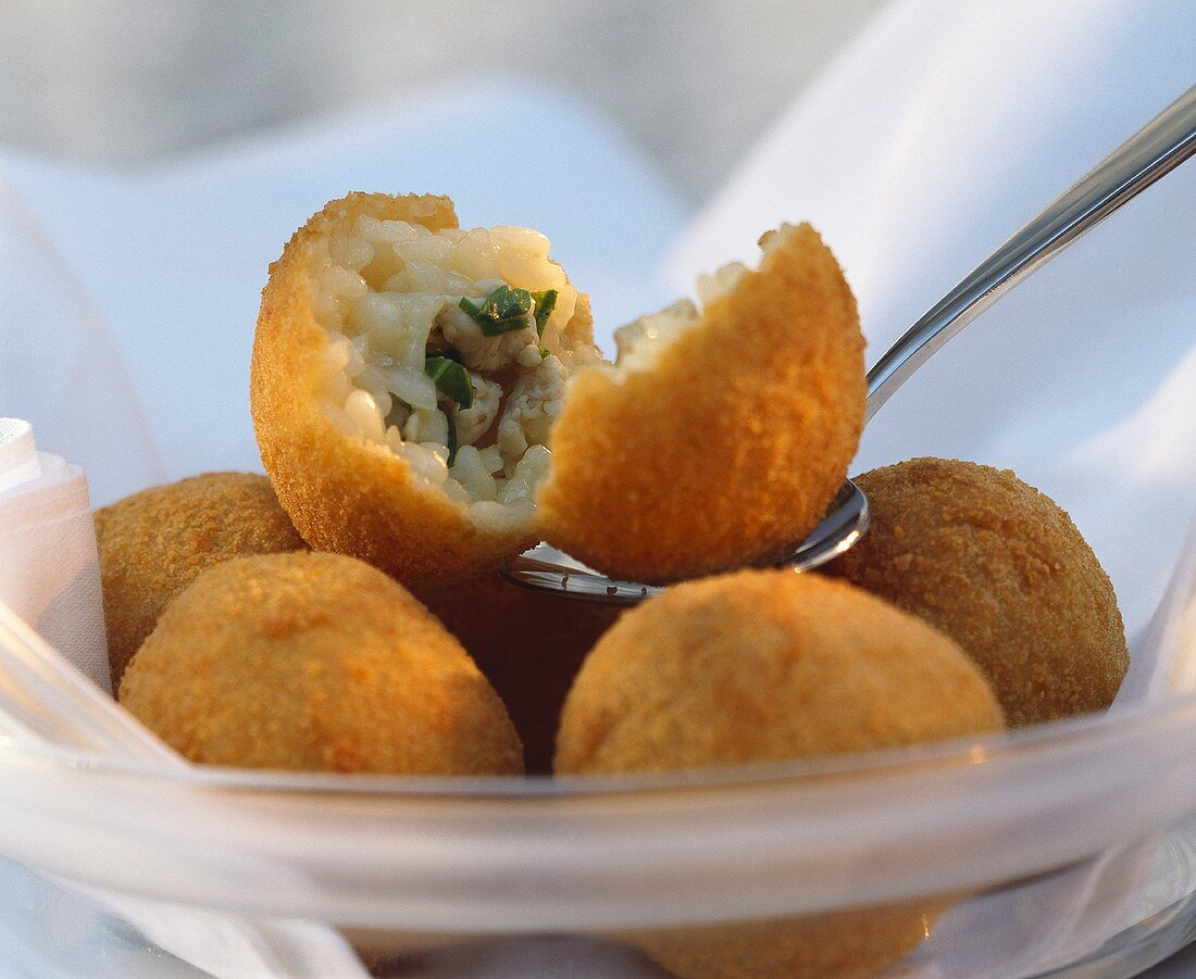 Rice balls with poultry meat