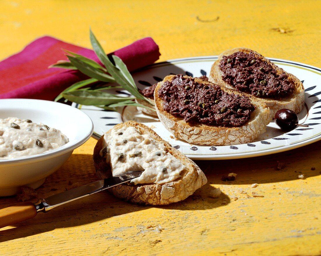 Crostini con tonno e con olive (appetisers), Tuscany, Italy