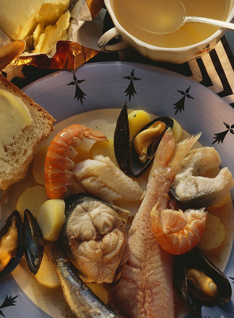 Soup with fish, potatoes and seafood (Cotriade)