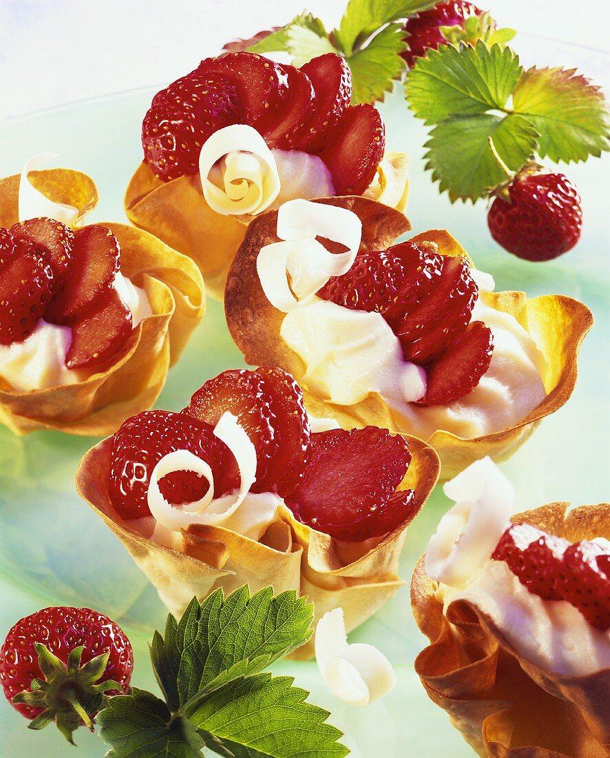 Strawberry basket with white chocolate cream