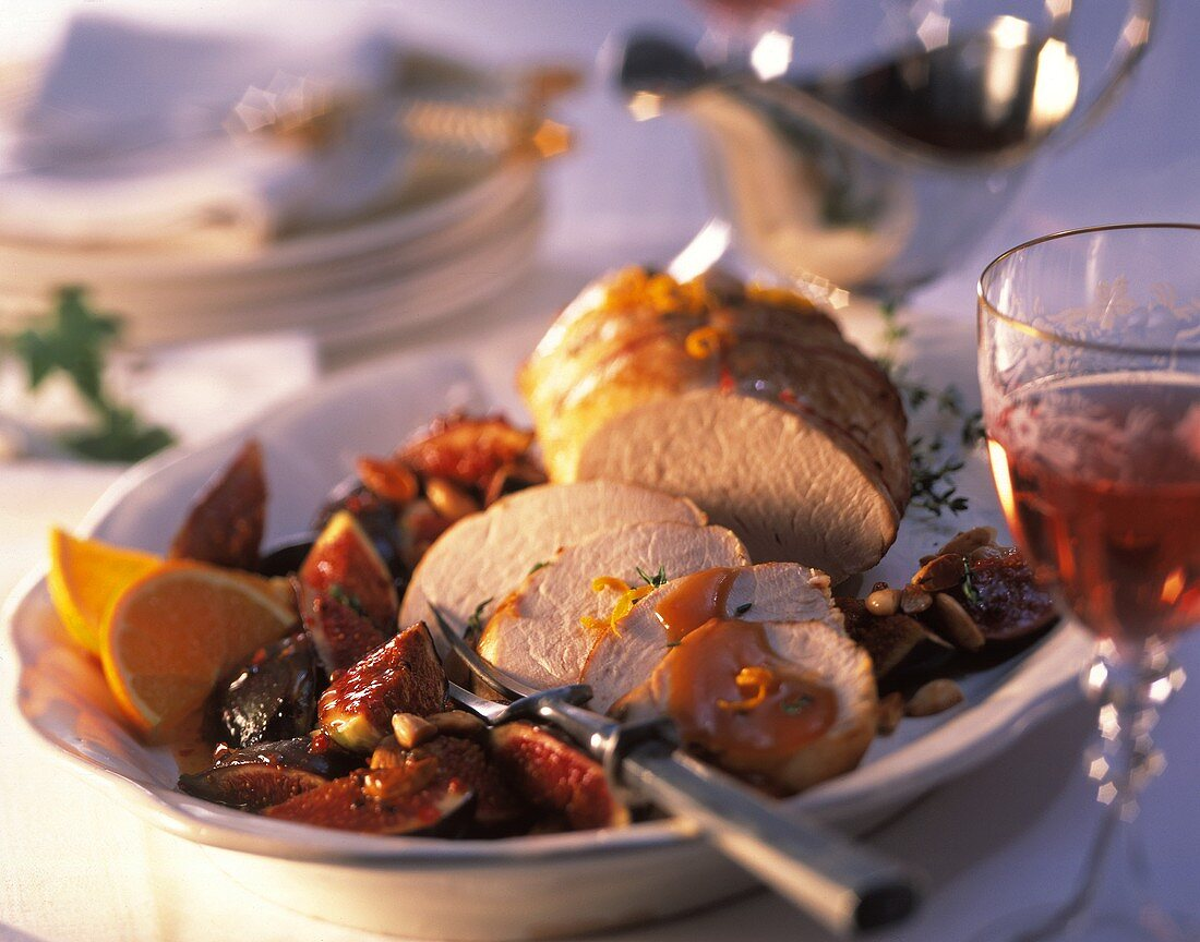 Turkey breast with figs and almonds