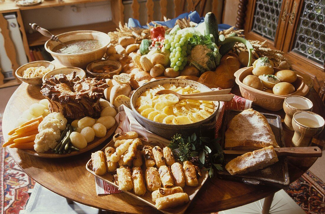 Hearty Buffet with Vegetables & Fruit