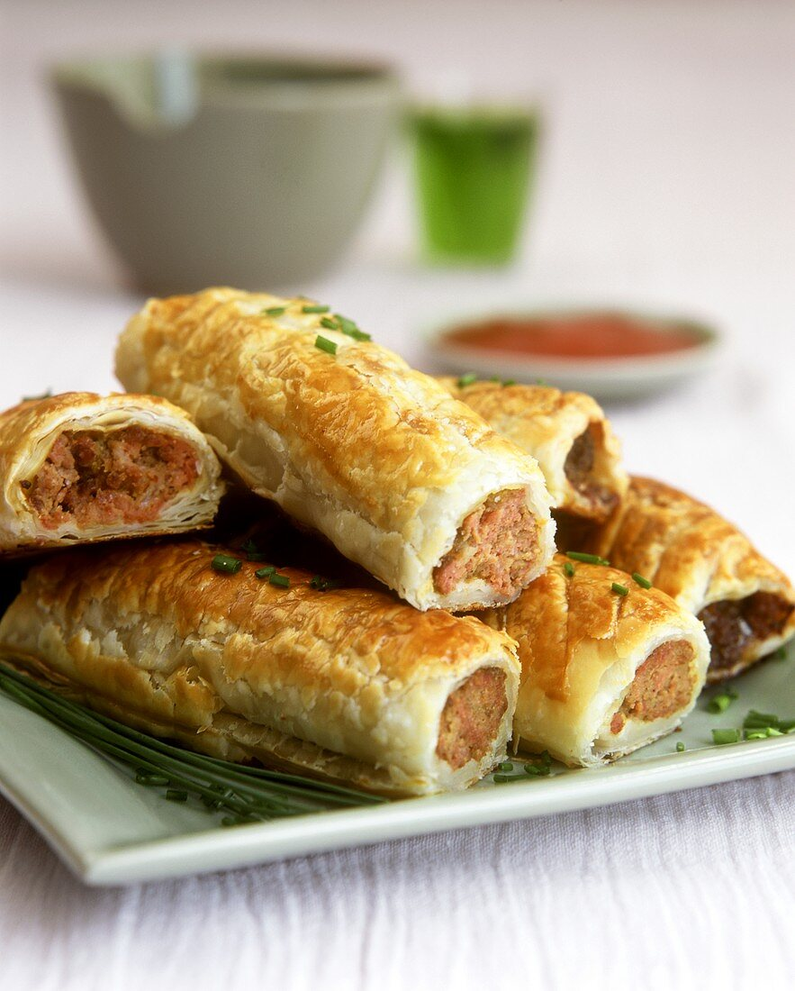 Sausage rolls (sausagemeat encased in puff pastry)