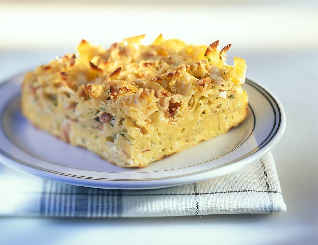 Pasta bake with ham (Schinkenfleckerl)